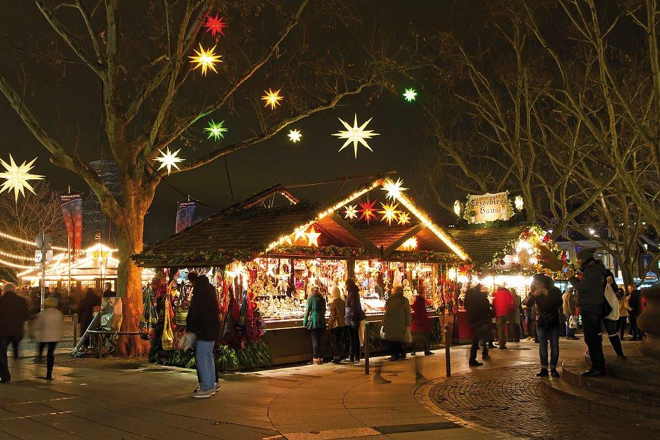 Stuttgart Weihnachtsmarkt.Roland Zemp Carreisen Stuttgart Weihnachtsmarkt