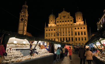 Weinachtsmarkt in Augsburg © Composer - stock.adobe.com